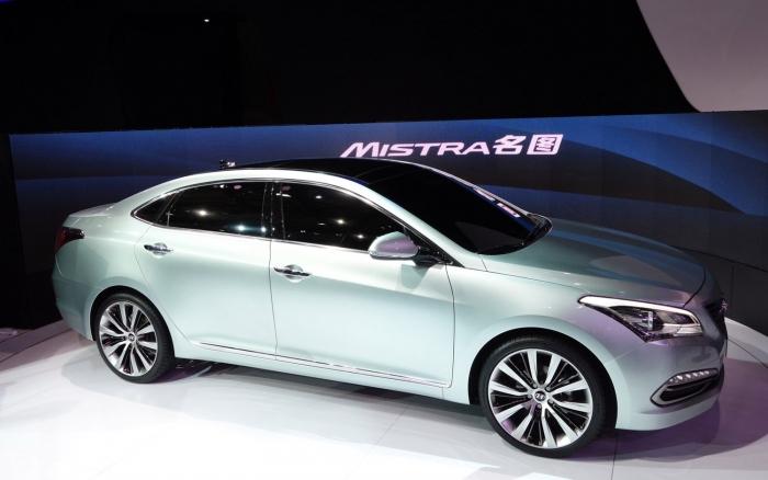 Компания Hyundai представила новый эксклюзивный седан Mistra