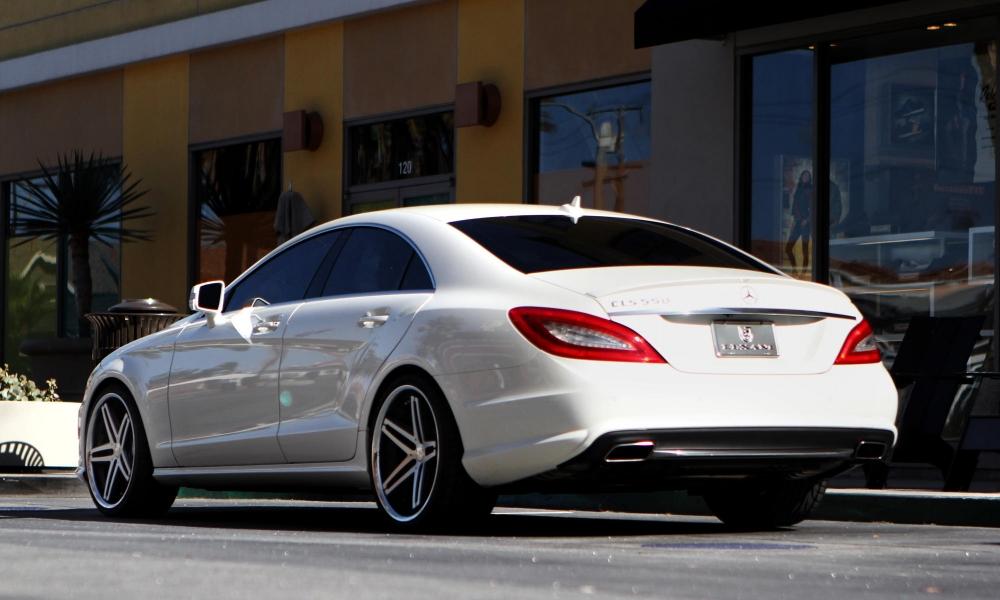 Mercedes готовится представить обновленный CLS
