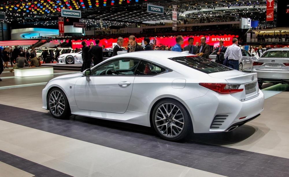 Lexus RC обрел рублевые цены