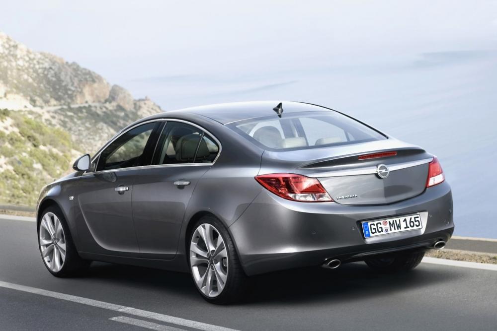 Новый двигатель для Opel Insignia в России