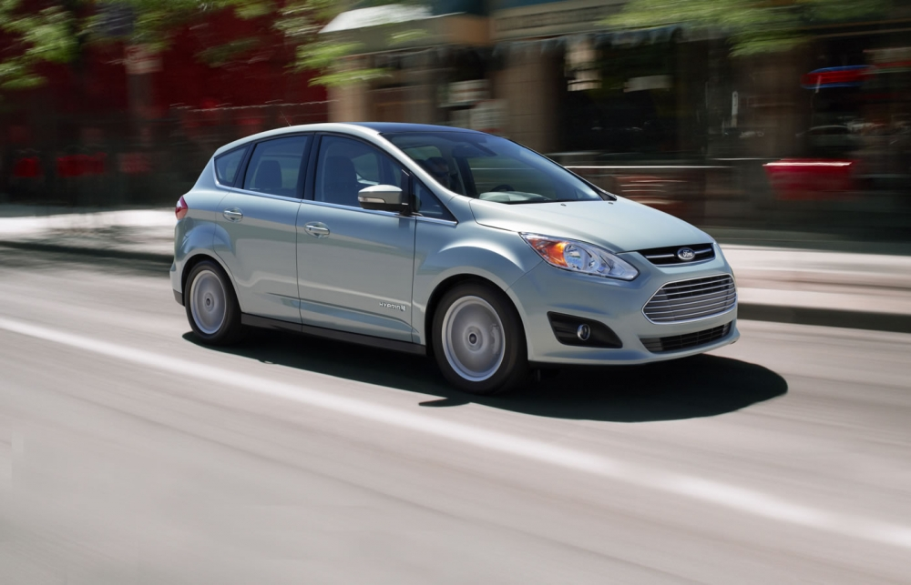 Ford C-Max обзавелся первым рекламным тизером