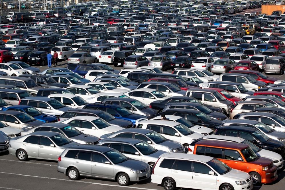 Импорт машин снизился на 20%