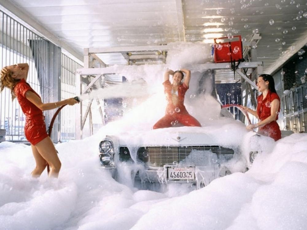 Власти столицы попросили жителей помыть свои машины