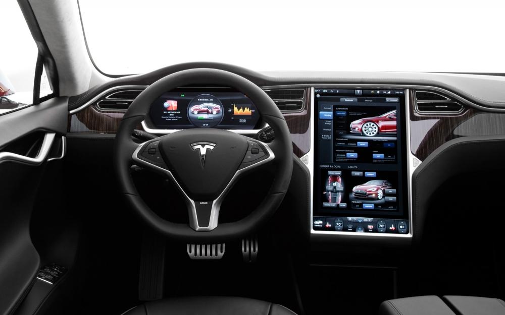 Tesla – самый популярный электрокар в России