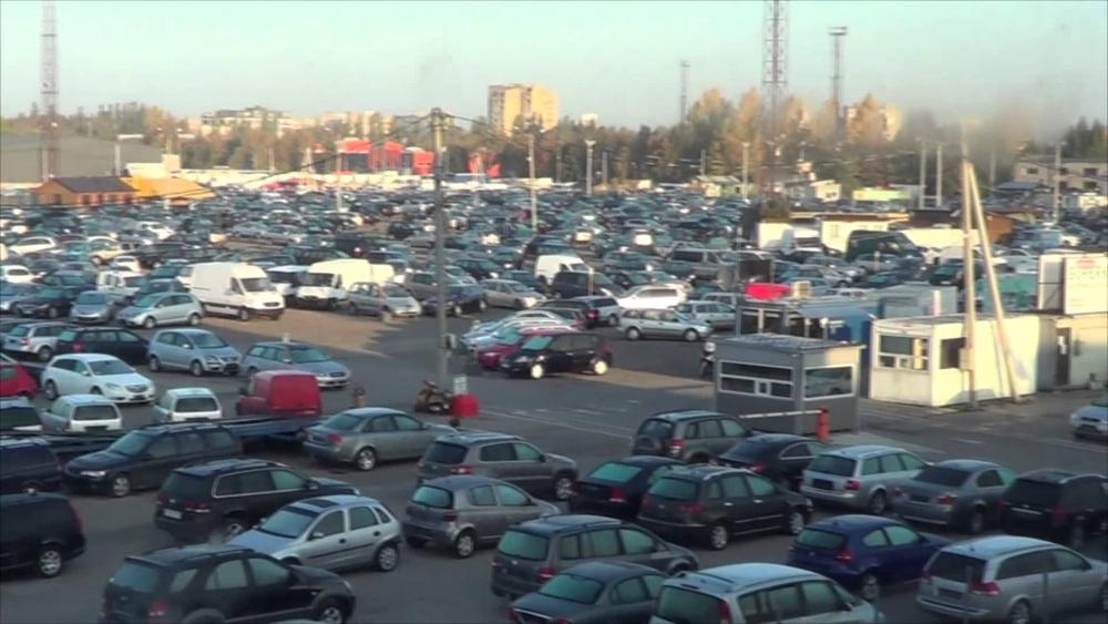 Рынок подержанных авто сократился на 24,3%