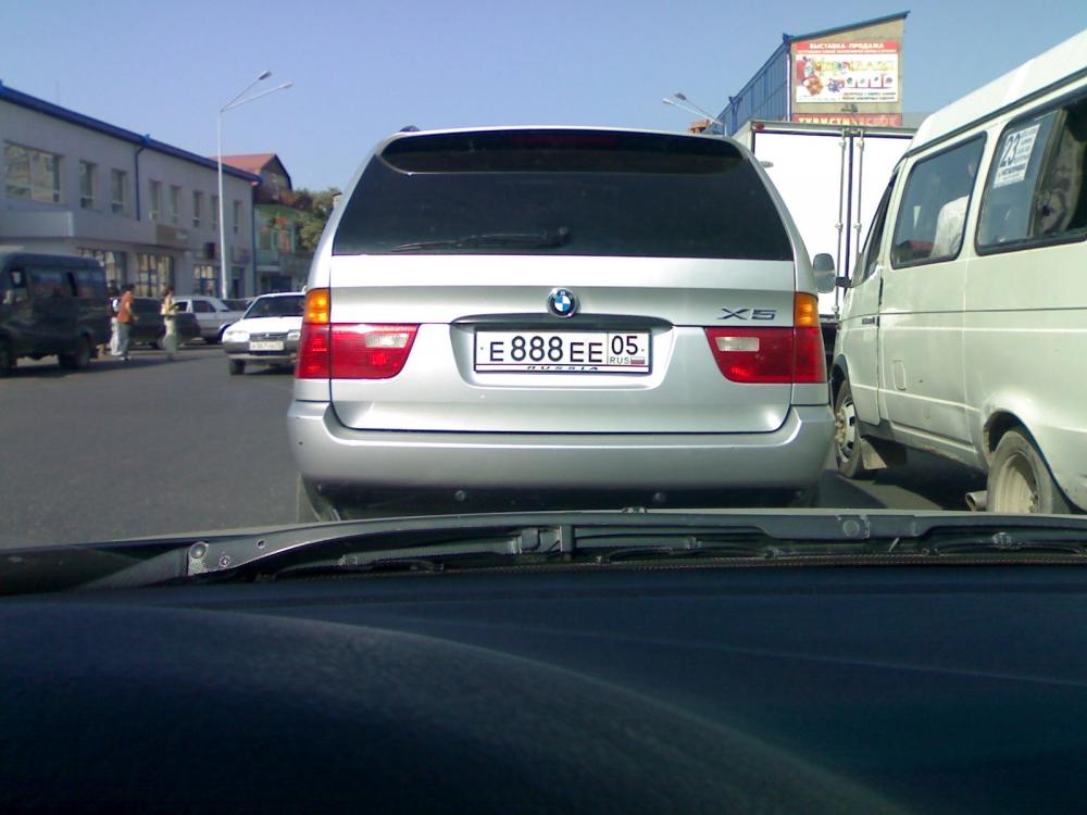 В Москве не хватает «столичных» номеров