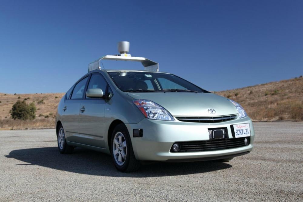 Скоро на калифорнийских дорогах  протестируют первый  автомобиль - беспилотник от Google