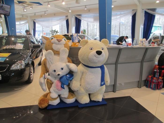 Талисманы Олимпиады поселились в автосалоне «Техинком-Авто»