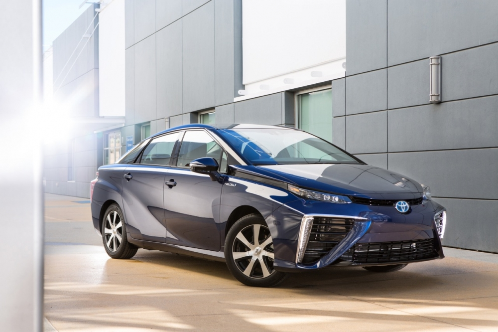 Очередь на Toyota Mirai в Японии растянулась на годы