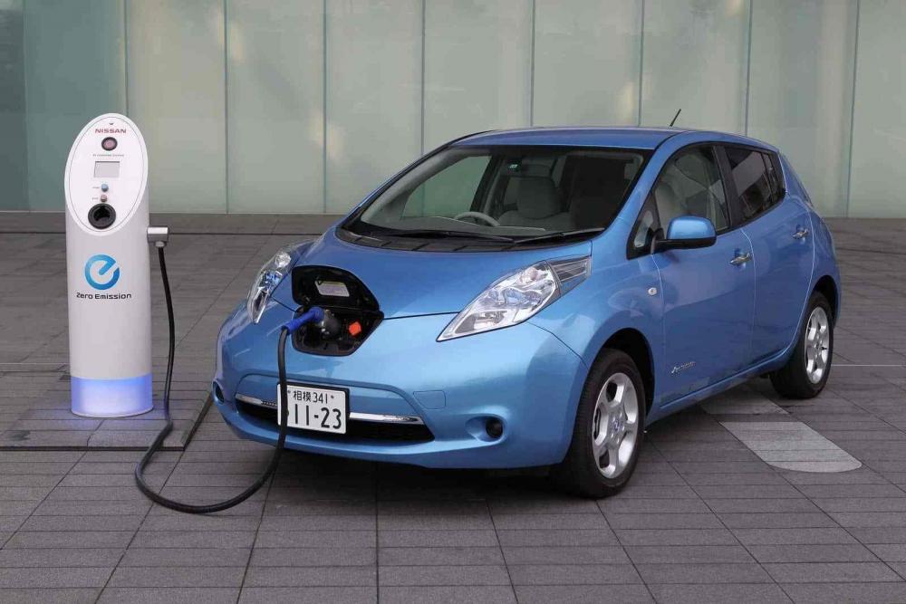 Продажи электромобилей в России растут