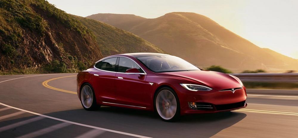 Убытки Tesla