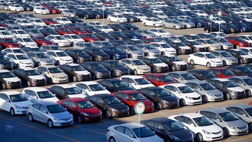 Немногим менее 4 млн автомобилей в Москве