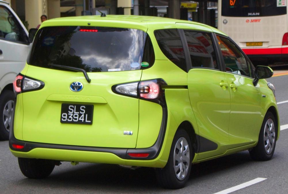 Toyota Sienta обновлена