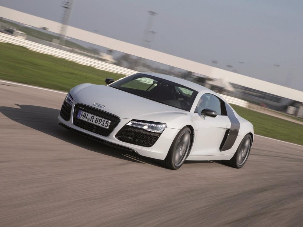 Audi R8 с лазерной оптикой