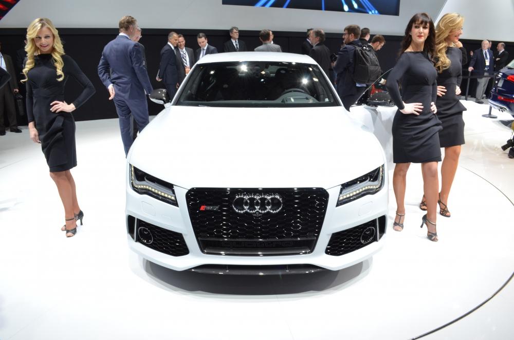 На Audi RS7 установили матричную оптику
