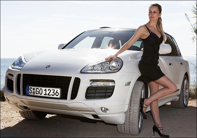 Рестайлинговый Porsche Cayenne попался шпионам