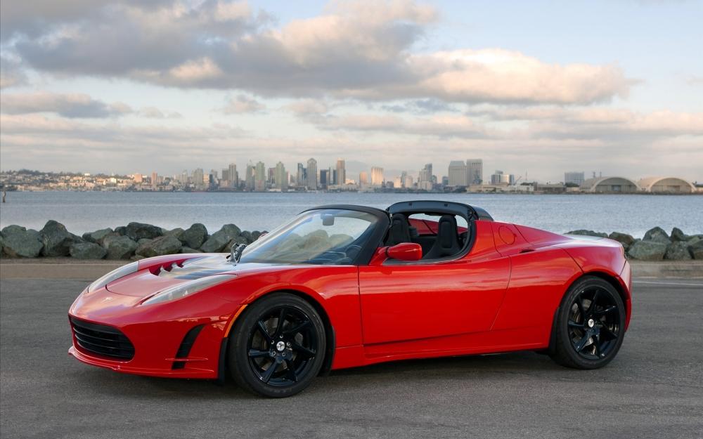 Tesla Roadster пройдет рестайлинг