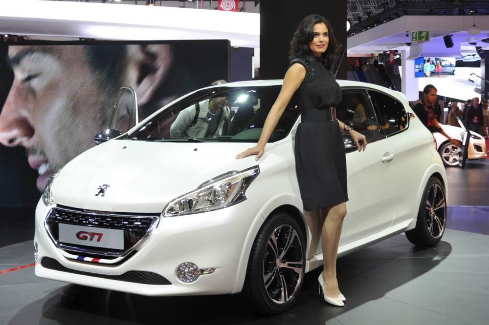 Peugeot 208GTi станет обладателем спецверсии