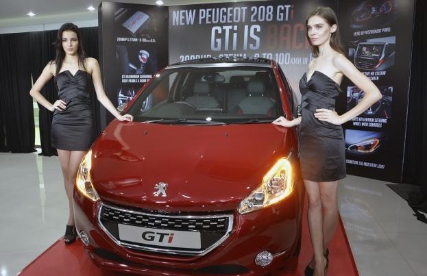Peugeot 208 GTi 30th представили официально