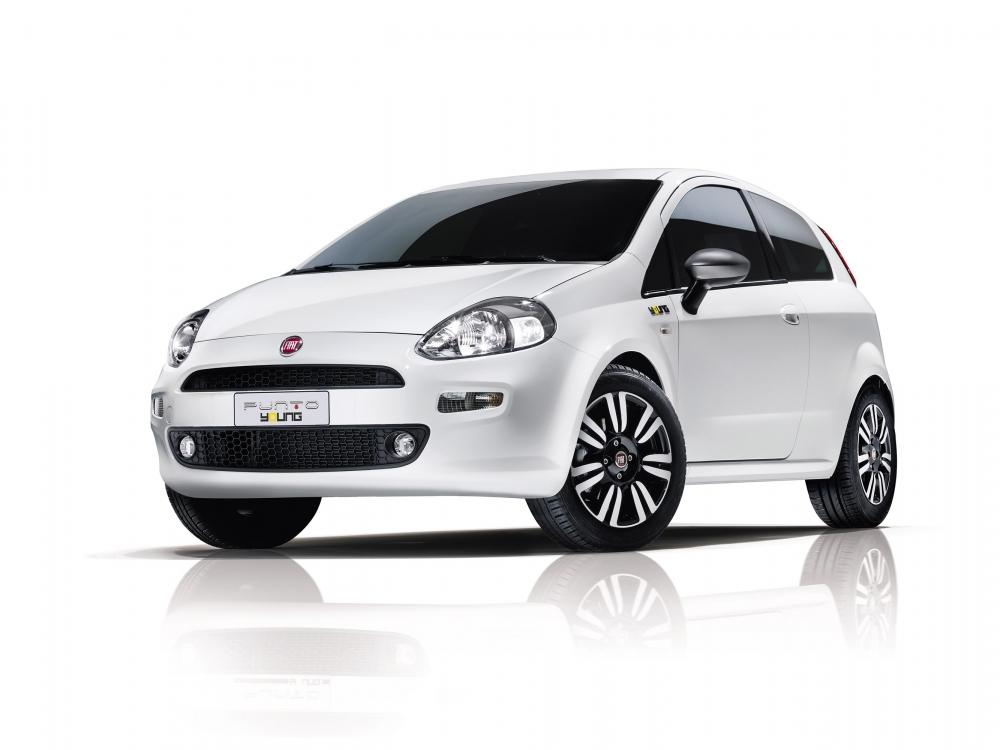 Первые фото рестайлингового Fiat Punto