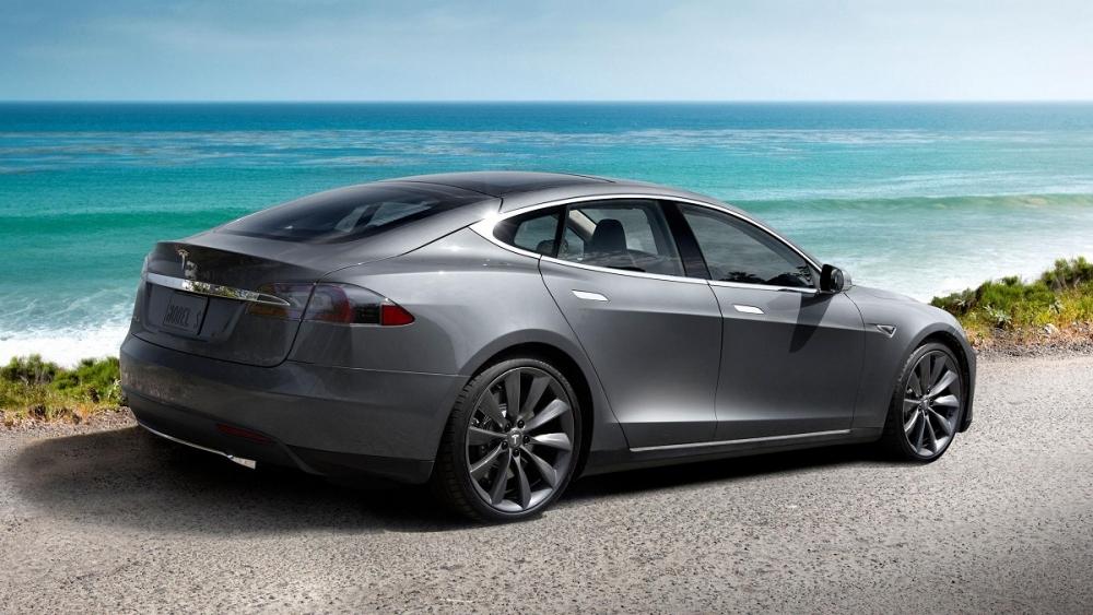 Tesla готовит Model III