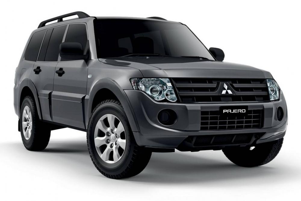 Обновленный Mitsubishi Pajero стал доступен японцам