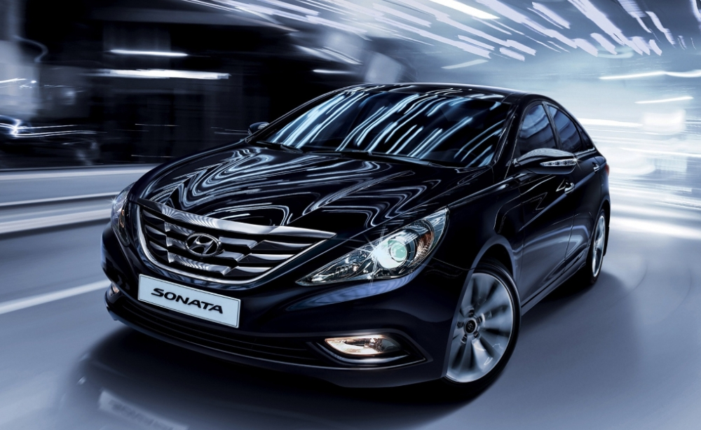 Hyundai Sonata зазывают на сервис