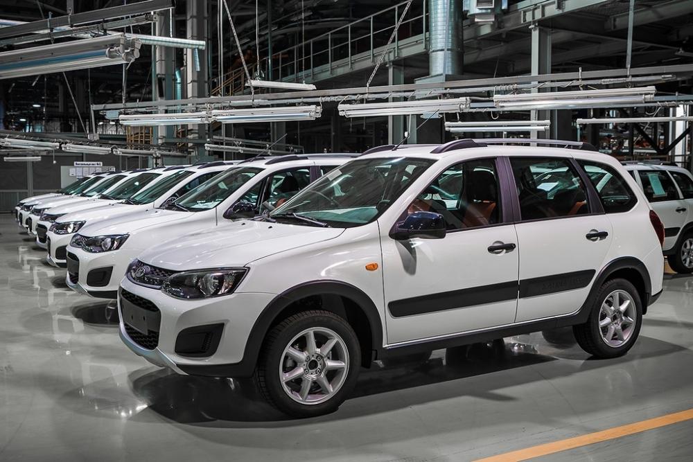 По программе утилизации в России уже продано свыше 100000 автомашин
