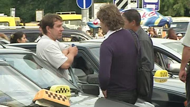 Для российских таксистов могут ввести патенты