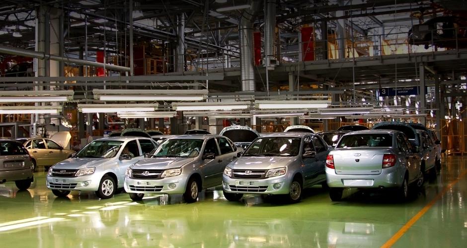 Правительство РФ обязало всех руководителей приобретать только недорогие автомашины